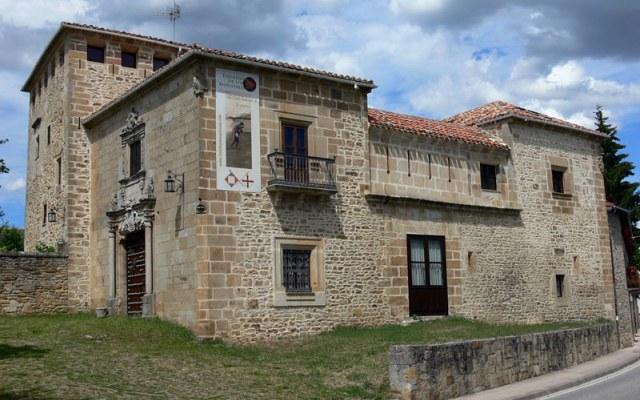 Palacio de los Fernández Villa - Destino Castilla y León