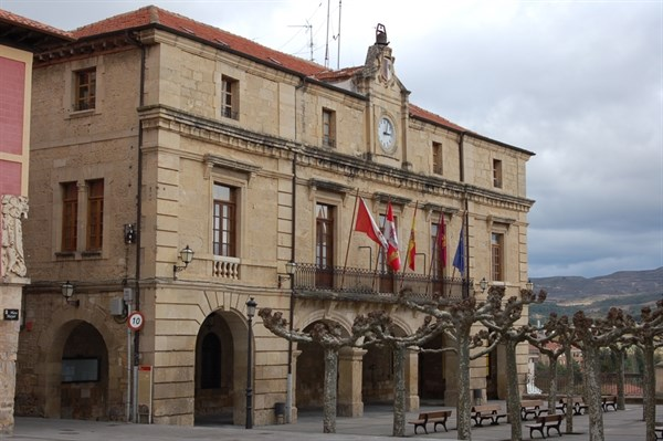 Plaza mayor de Medina de Pomar - Destino Castilla y León