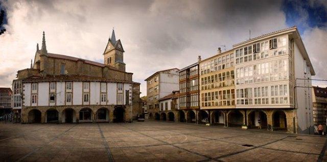 Plaza Mayor de Espinosa - Destino Castilla y León