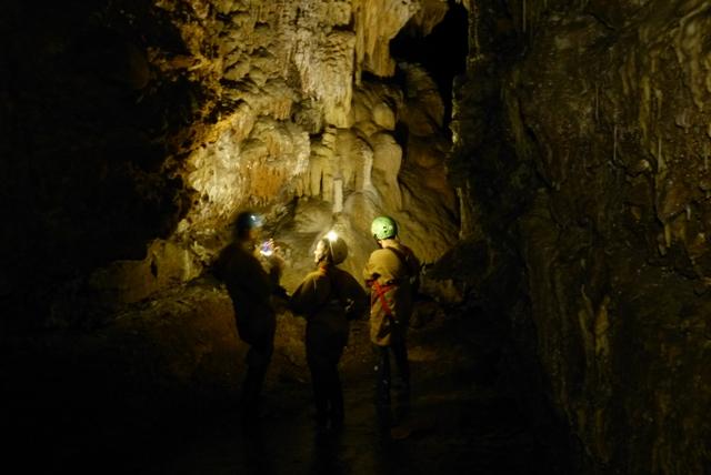 Cueva de Fuentemolinos - Destino Castilla y León