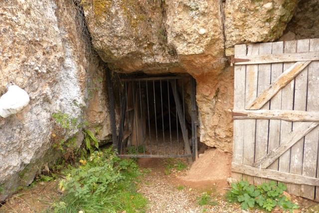 Entrada a la mina de manganeso - Destino Castilla y León