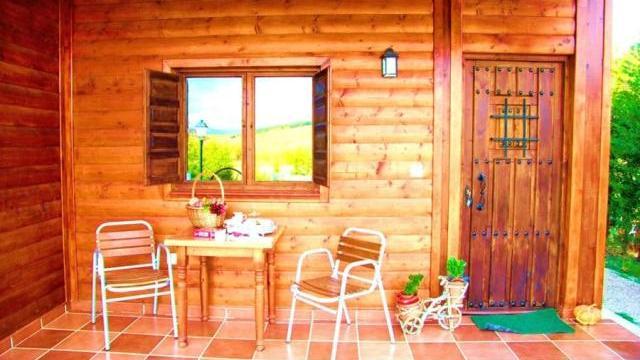 Casa Rural Al Pie del Árbol - Galería - Porche - Destino Castilla y León