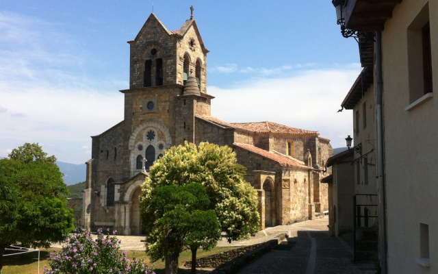 Iglesia de san Vicente de Frías - Destino Castilla y León