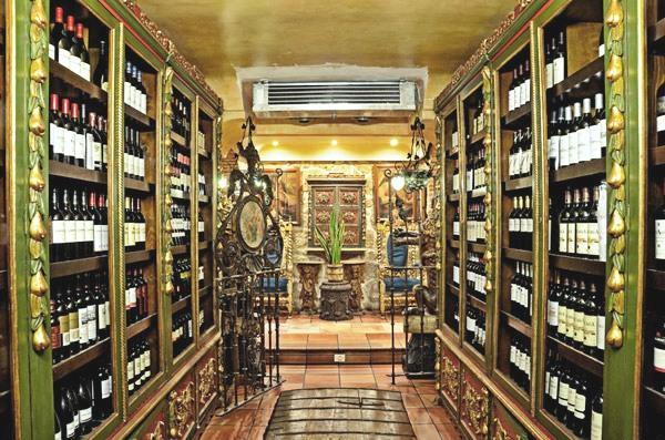 Parrilla de San Lorenzo - Bodega de vinos - Destino Castilla y León