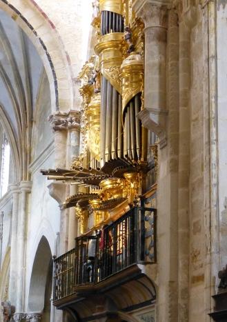 Órgano barroco de Oña - Destino Castilla y León
