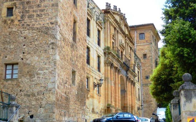 Fachada del Monasterio de San Salvador de Oña - Destino Castilla y León
