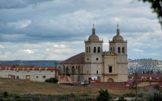 Iglesia de Santiago Apostol de Cigales - Imagen de mapasespana.net