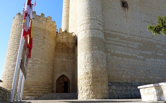 Castillo de Fuensaldana - Destino Castilla y Leon