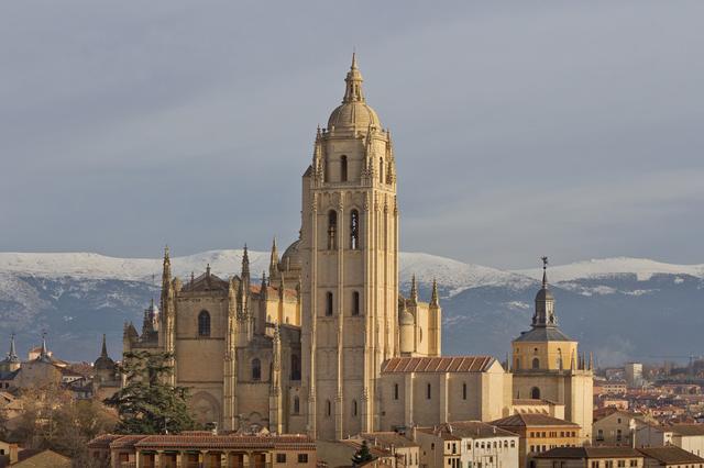 panoramica-de-la-catedral-de-segovia