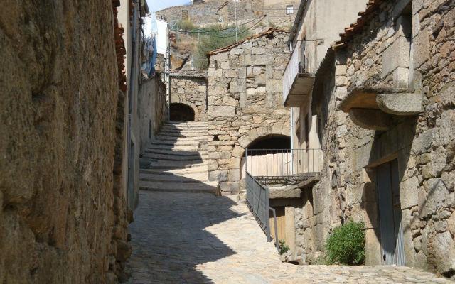 Calles de bodegas en Fermoselle - Imagen de viajeblogevasion