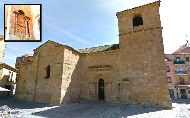 Iglesia Santo Tomás Cantuariense, con detalle de un disco bajo un arco - Destino Castilla y León