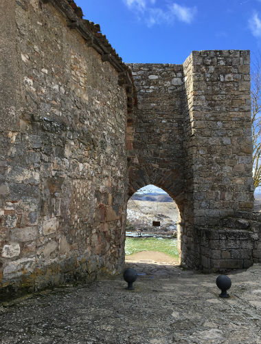 Arco árabe de la muralla - Destino Castilla y León