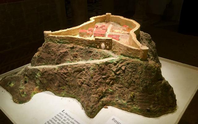 Maqueta en el aula de arqueología que representa cómo fue Medinaceli en la edad media - Destino Castilla y León