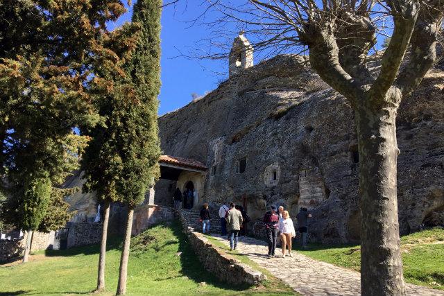 Iglesia rupestre de los Santos Justos y Pastor de Olleros de Pisuerga- Destino Castilla y León