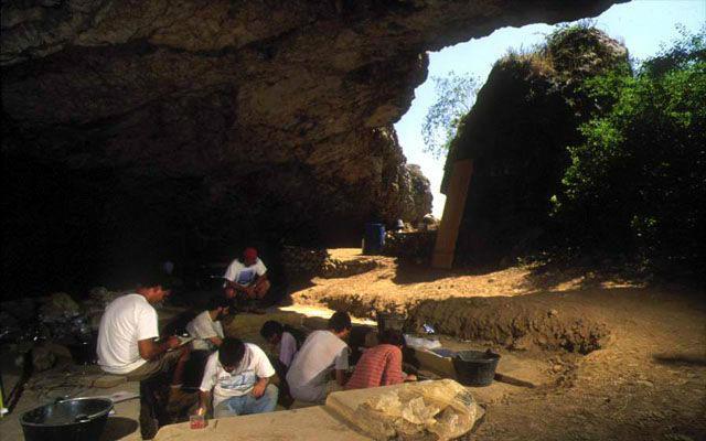 Entrada a la Cueva Mirador, otra zona del yacimento - Imagen de Atapuerca.Tv