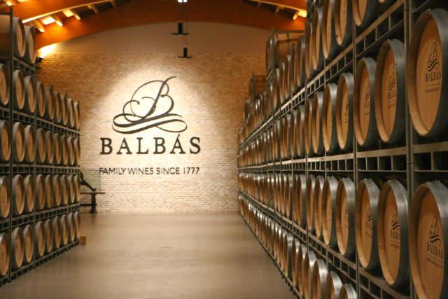 Sala de barricas de Bodegas Balbás - Destino Castilla y León