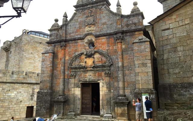 Entrada a la erminta de San Cayetano - Destino Castilla y León