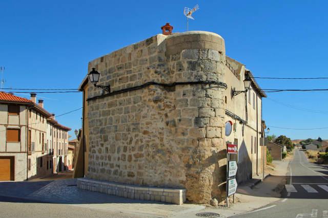Restos de la muralla de Gumiel de Izán - Destino Castilla y León