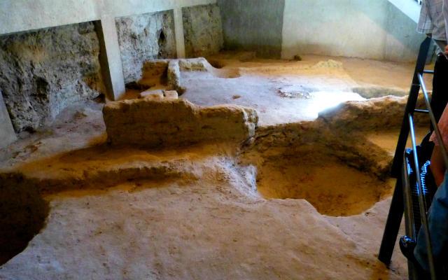 Excavación arqueológica bajo el Centro de Recepción de visitantes - Destino Castilla y León