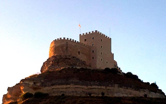 Castillo de Curiel desde el pueblo - Destino Castilla y León