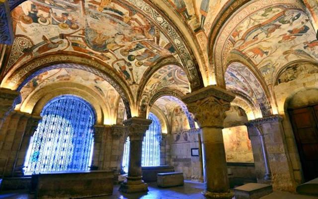 Panteón de los Reyes de León en San Isidoro - Imagen de Itinari