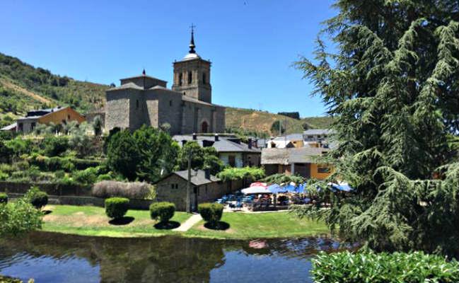 Iglesia de San Nicolás de Bari en Molinaseca - Destino Castilla y León