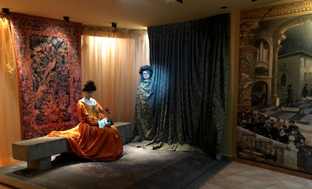 Sala de espera dentro del Casón del Caballero - Destino Castilla y León