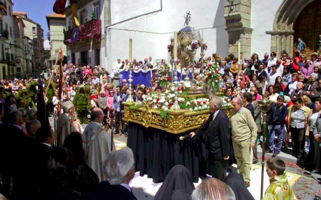 Hombres de Musgo en la procesión del Corpus Christi - Imagen de Bejar.biz