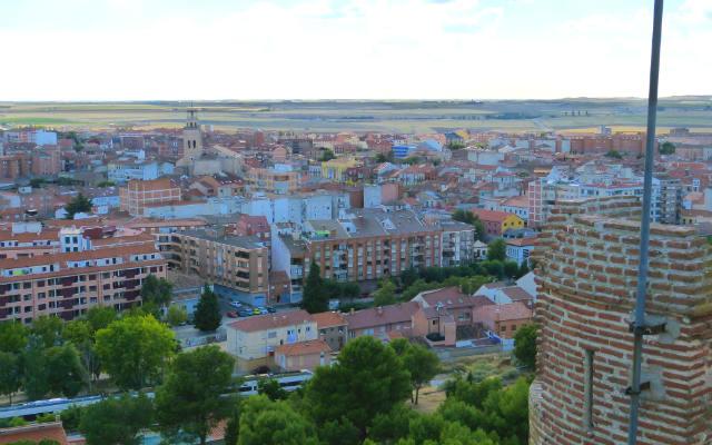 Vista de la ciudad de Medina del Campo desde lo alto de la Torre del Castillo de la Mota - Destino Castilla y León
