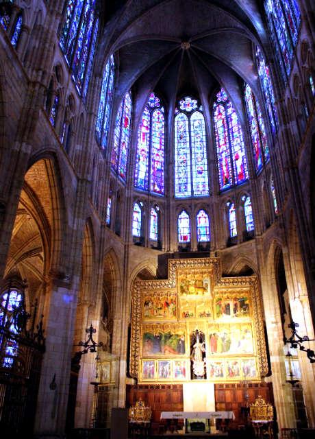 Altar de la Capilla Mayor de la Catedral de León - Imagen de Maravillas de España