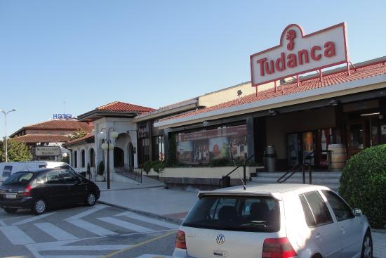 Hotel y área de Servicio Tudanca - Imagen de Recréate el día