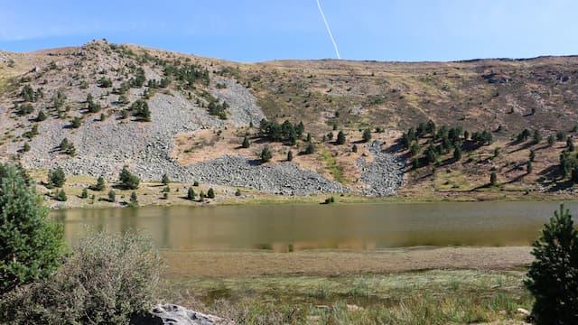Morrenas glaciares sobre la Laguna Larga - Destino Castilla y León