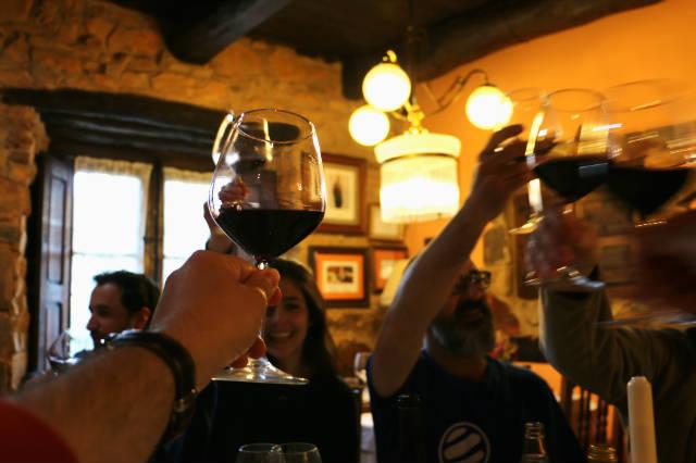 Brindamos con vinos de El Bierzo - Destino Castilla y León