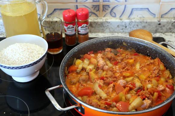 Añadiremos el arroz, las especies y el caldo - Destino Castilla y León