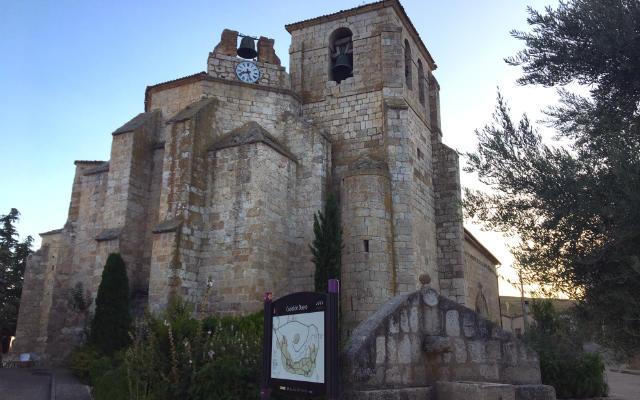 Absides de la Iglesia parroquial de Santa María en Curiel - Destino Castilla y León