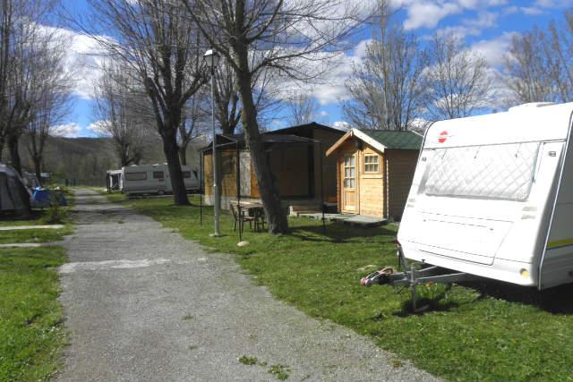 Interior del Camping Fuentes Carrionas - Imagen del Camping