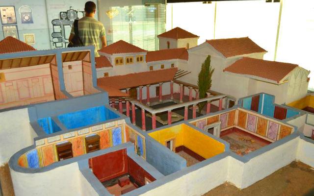 Maqueta de la villa dentro del Museo de las Villas Romanas - Imagen de En Pueblo en Pueblo