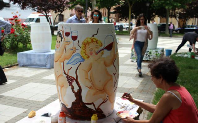 Pintura sobre barricas durante la Feria del Vino de Toro del 2017 - Imagen de la DO. Toro