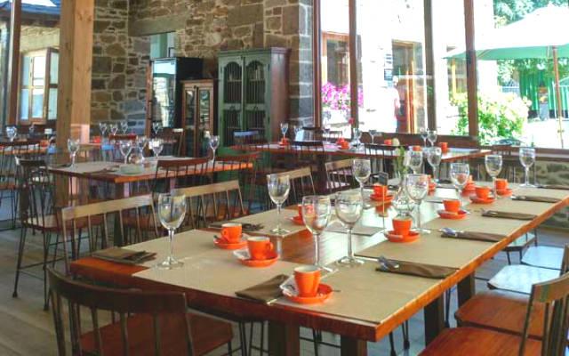 Restaurante en el Hotel La Bolera, en Robles de Laciana - Imagen de GuiaGo