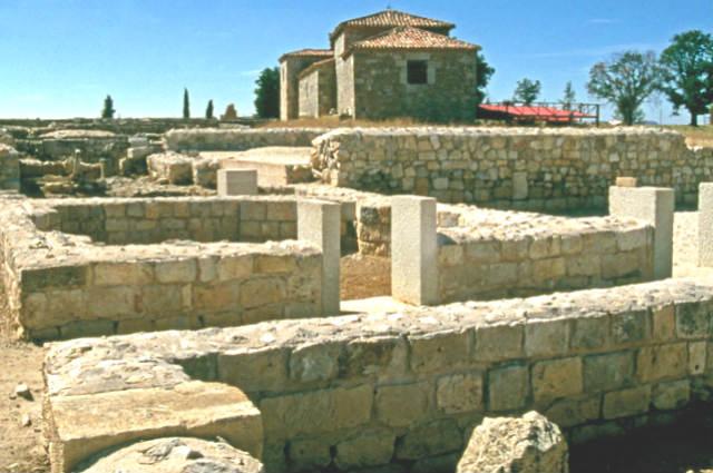 Restos de la ciudad romana de Clunia - Imagen de Cardinalia