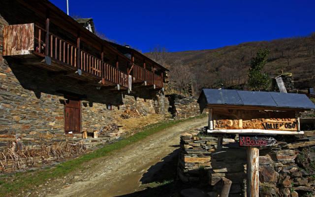 Ruta por el Valle del oso en Palacios de Compludo