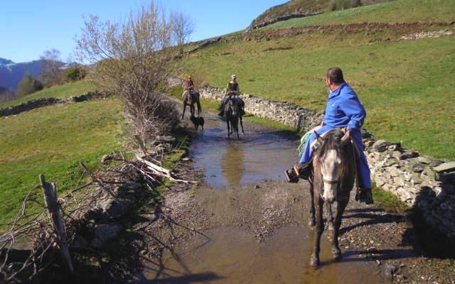 Rutas a caballo de la Granja La Senda - Imagen de la Granja