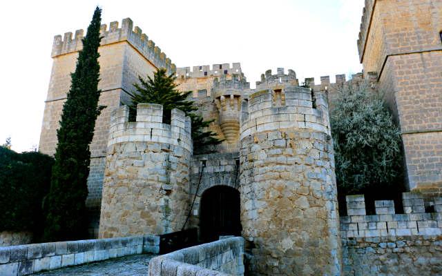Acceso al Castillo