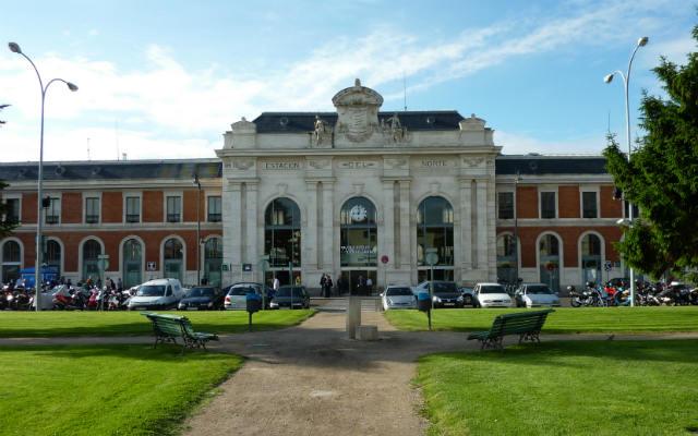 Estación de trenes de Valladolid Campo Grande - Imagen de Wikipedia
