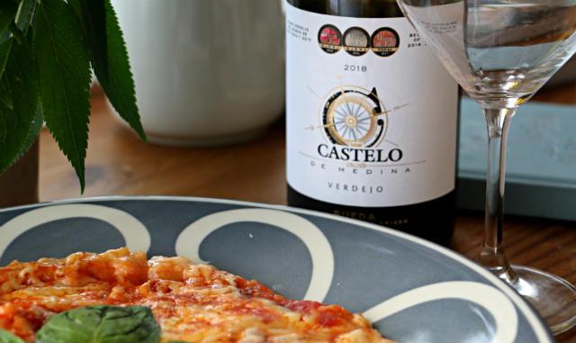 armonía de este verdejo con pizza margherita casera