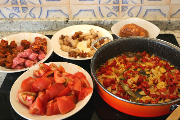 Vamos a freír las carnes de cerdo - Destino Castilla y León