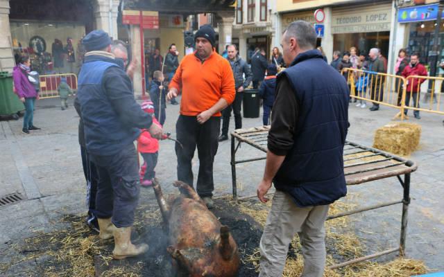 Matanza tradicional, en la calle, en Aranda de Duero - Destino Castilla y León