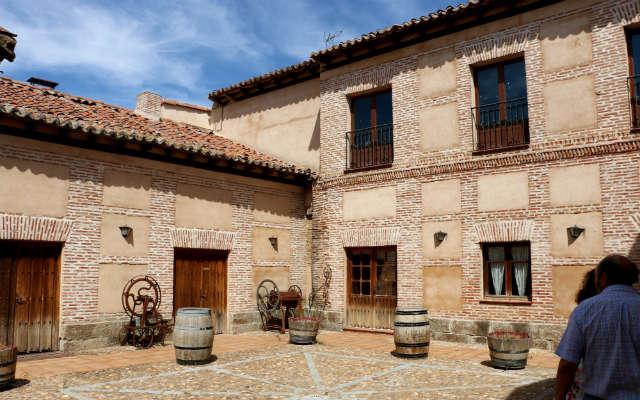 Patio de la casa familiar de Javier Sanz en La Seca - Destino Castilla y León