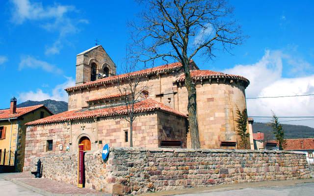 Iglesia de San Cornelio y San Cipriano de Revilla de Santullán - Imagen de TurismoPrerromanico