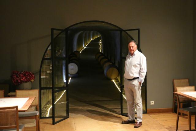 Patxi Garmendia nos abre la puerta de la bodega tradicional - Destino Castilla y León